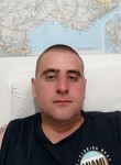 Denis, 25  , Sainte-Genevieve-des-Bois