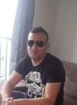 Boukhalfa, 43  , Gargenville