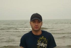 Amir, 36 - Just Me