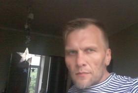 vladimir , 47 - Just Me