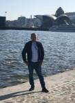 Vuqsr, 32, Baku