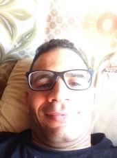 ACHRAF, 35, Estado Español, l'Hospitalet de Llobregat