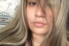 Kiska, 19 - Just Me