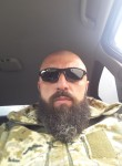 Okhotnik, 40, Uzhhorod
