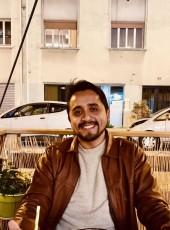 Piero , 29, France, Lyon