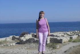 Nadezhda, 62 - Just Me