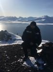 Artur, 30  , Longyearbyen