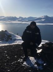 Artur, 29, Svalbard and Jan Mayen, Longyearbyen