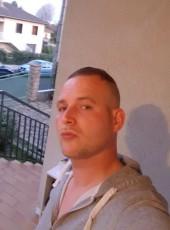 jurugby, 32, France, Decines-Charpieu