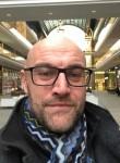 Thomas Brooks, 46, Saint Petersburg