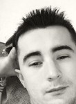Erwan, 25  , Les Essarts-le-Roi