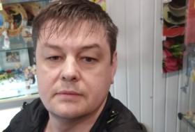 Tom, 40 - Just Me