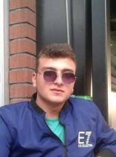 Onur, 20, Turkey, Korfez
