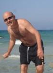 Wajdi, 51  , Nabeul