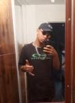 Vitor , 18  , Guarulhos