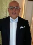 Antonio , 45  , Bari