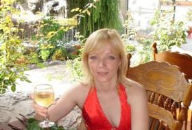 Eva, 39 - Just Me