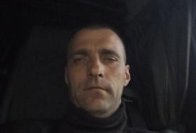 Yuriy, 38 - Just Me