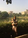 Royce, 47  , Varanasi