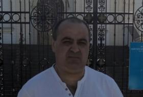 Gruzin, 51 - Just Me