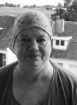 Joelle, 62  , Dinant