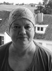Joelle, 61, Belgium, Dinant