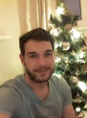 Vasiliy, 32, Russia, Bodaybo