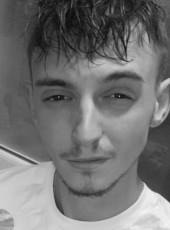 bavier, 20, France, Douai