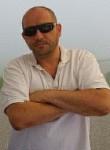 Igor, 44, Chernivtsi