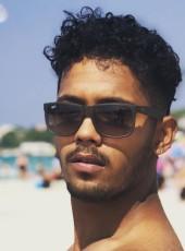 Esmer, 23, Turkey, Sisli