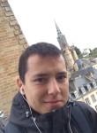 Vitaliy, 24  , Morlaix