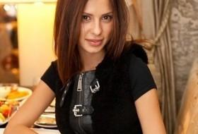 Mila , 38 - Just Me