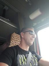 Valeriy, 52, Belarus, Brest