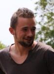 Alan, 25  , Sarzeau