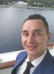 Aleksander, 33  , Bari