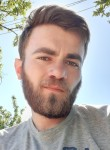 Irakli, 22  , Tbilisi