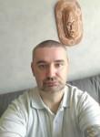 Mickaël, 42  , Brest