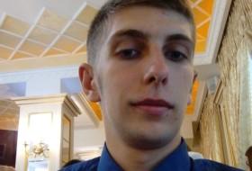 oskar, 21 - Just Me