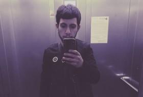 Ishxo, 23 - Just Me