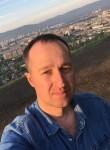 Andrey , 36  , Shira