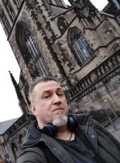M. De Niro, 55, Russia, Tolyatti