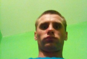 Viktor, 25 - Just Me