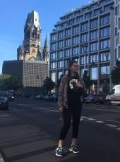 Viktoriya, 29, Russia, Saint Petersburg