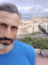 Dauphin Blanc, 50, France, Paris