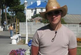 Aleksandr Yudin, 36 - Just Me
