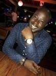 Farid, 34  , Libreville