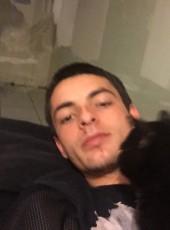 Adrien, 22, France, Perpignan