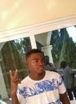 Elvis, 18  , Djougou