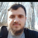 Keni, 30  , Tirana