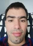 Gregory, 29  , Le Pecq